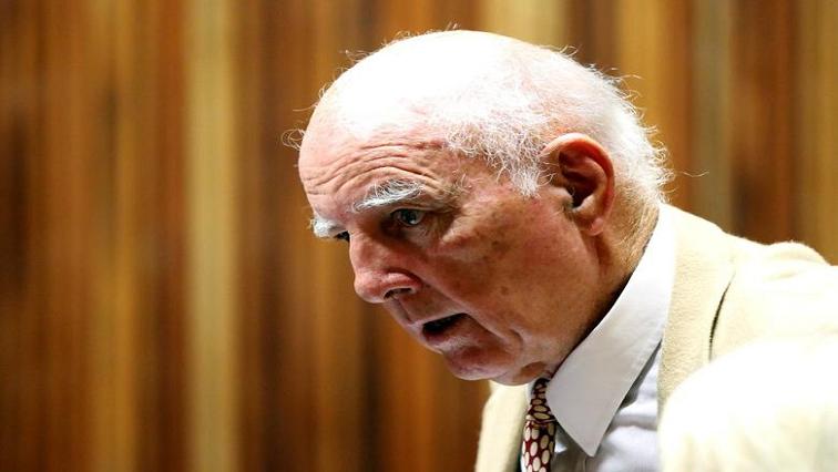 SABC News Bob Hewitt R - Lamola wants review of convicted rapist Bob Hewitt's parole