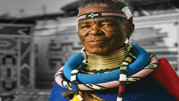 SABC News Dr Esther Mahlangu Twitter @UNHCRROSA - Scores of artists continue to learn from Dr Esther Mahlangu