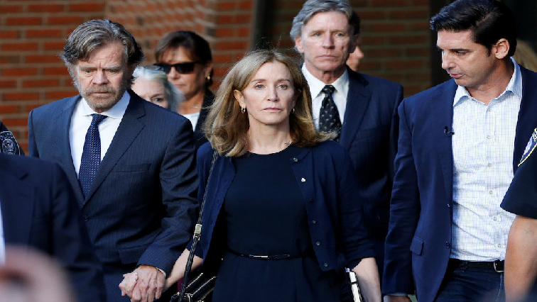 SABC News Felicity Huffman R - Huffman gets a two-week jail sentence