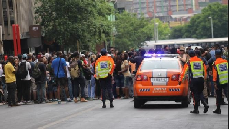 SABC News JHB foreign nationals attacking police Twitter @SAgovnews 1 - Political parties want President to address violent attacks on foreign nationals