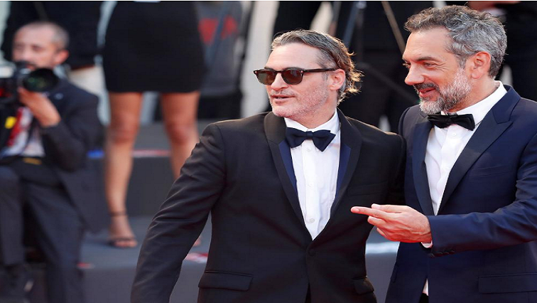 SABC News Joaquin Phoenix.R - Joaquin Phoenix goes from tragic to comic in 'Joker'