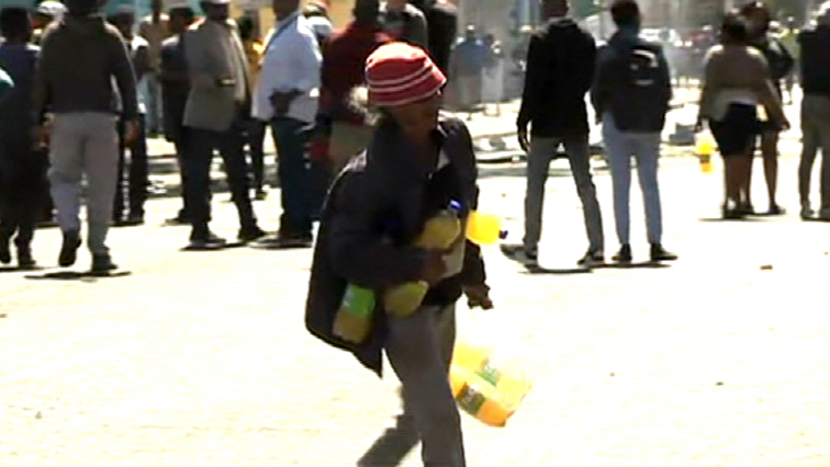SABC News Looting in Pretoria P - Unrest continues in Pretoria CBD