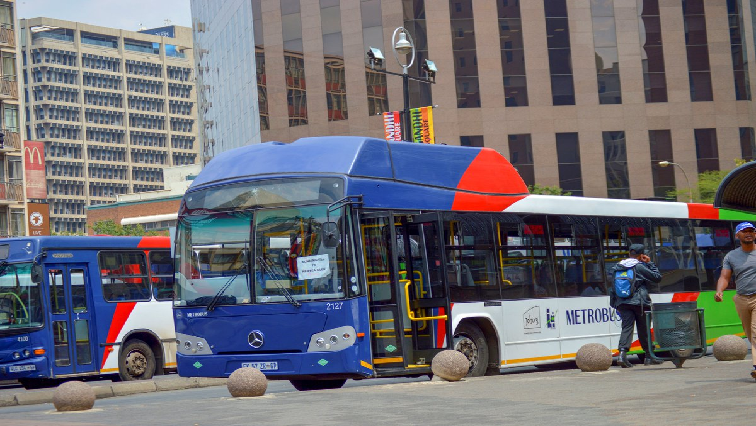 SABC News Metrobus Twitter@JoburgMetrobus - Metrobus apologises to commuters for service disruptions