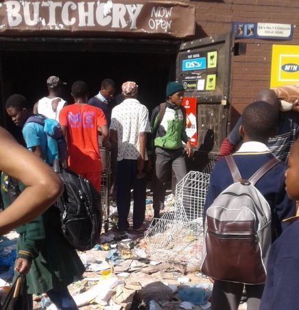 SABC News soweto loot 1 - It's not xenophobia, it's hunger: Joburg looting