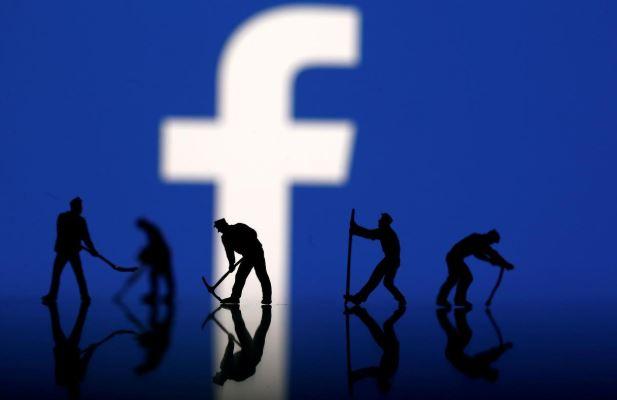 SABC News Facebook R 2 - Facebook sales grow as users tick up