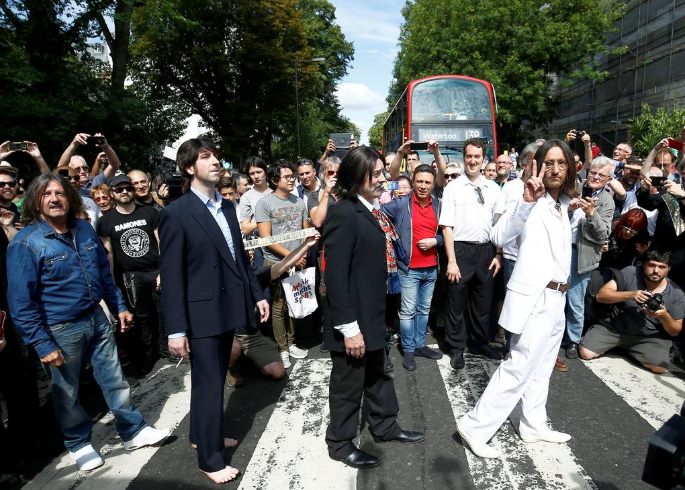 beatles - Beatles' 'Abbey Road' back at top of charts 50 years after release