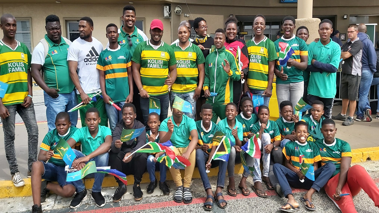 SABC News Fans P - Fans out in numbers to welcome Springboks at PE airport