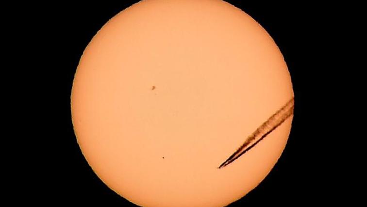 SABC News Mercury - Planet Mercury makes rare transit between the Earth and the Sun