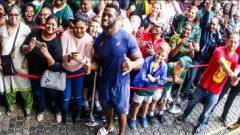 Captain Siya Kolisi and fans