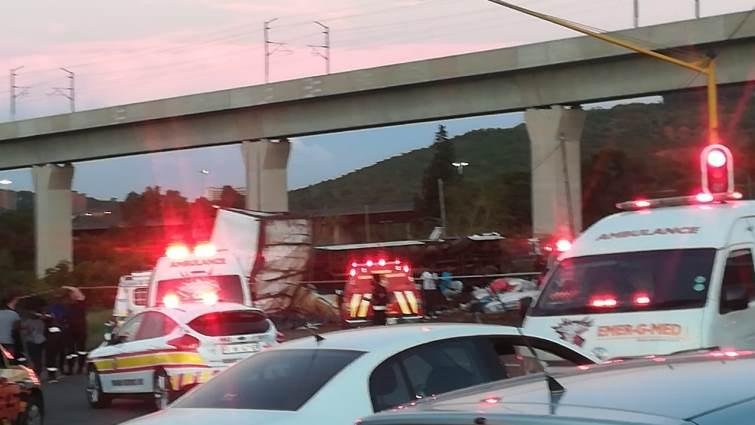 SABC News Crash Eufees Pretoria3 - A bus collision leaves more than two dozen people injured in Pretoria