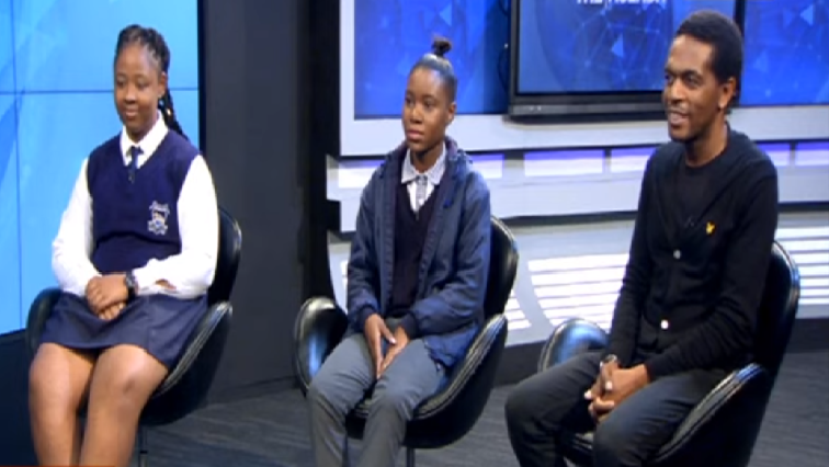 SABC News Langa Terrence Hlatywayo - 100 female Grade 11s receive learners licenses