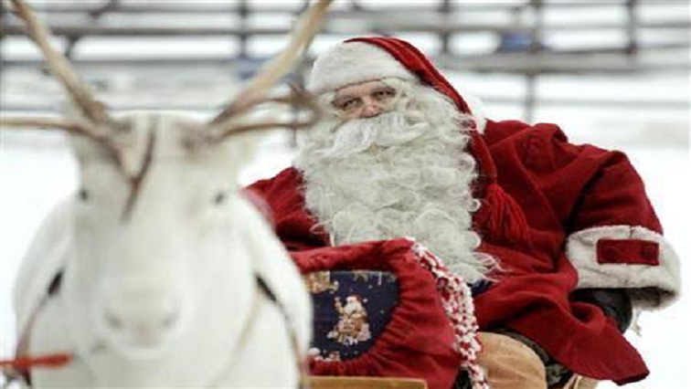 SABC News Santa R - NORAD keeps track of Santa as he delivers children's presents