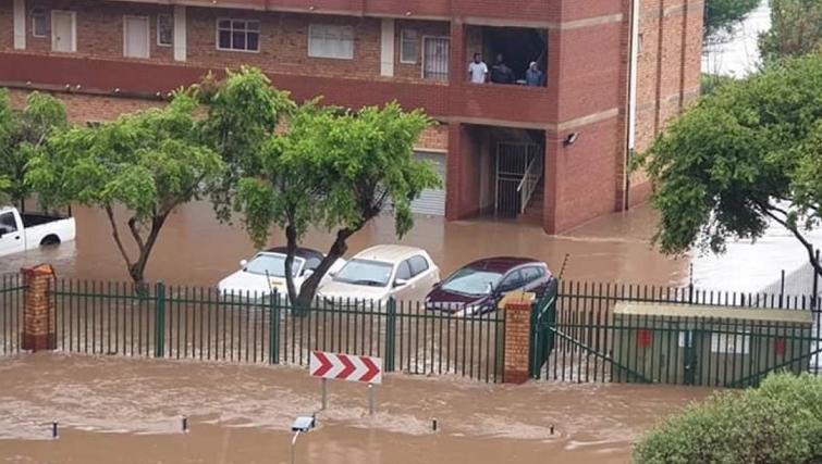 SABC News Centurion Floods by Selby Sivuyile - Tshwane on high alert as heavy rain continues