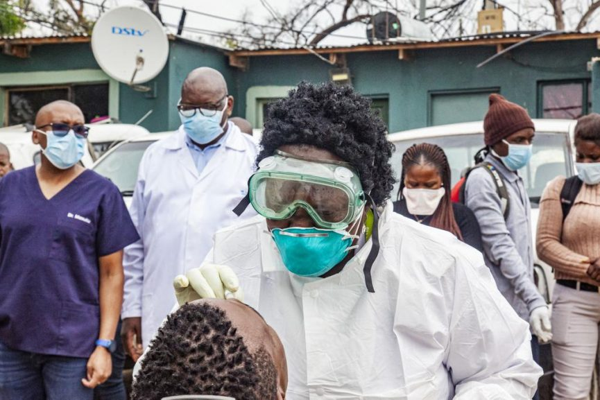 SABC News Testing Alex Health Dpt 865x577 - Alex residents asked not to flock to testing stations