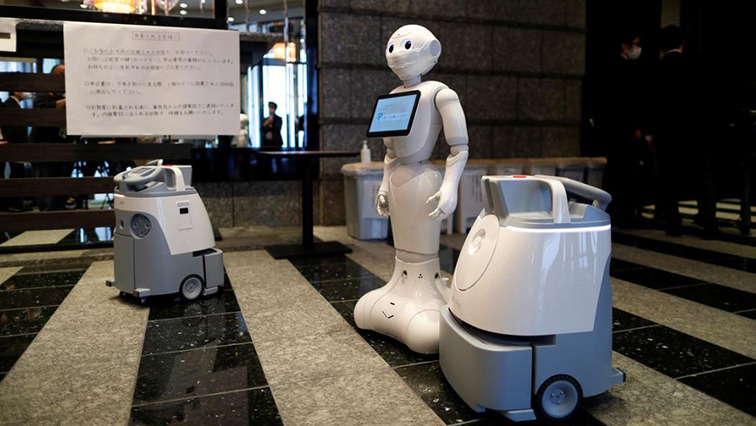 robots r - Mitra the robot helps COVID-19 patients in India speak to loved ones