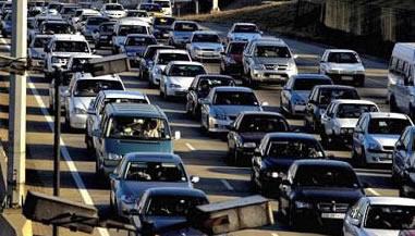 traffic2 2 - Motsoaledi promises to ease traffic congestion at Beitbridge border post as frustrations mount