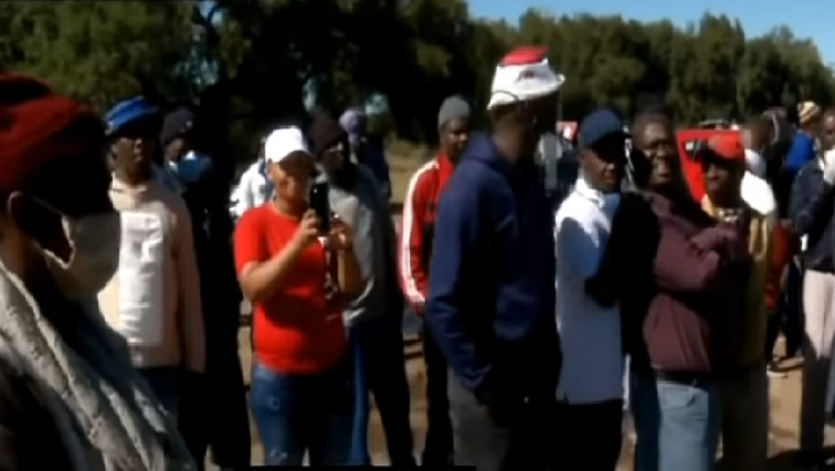 SABC News Tau Lekoa mine workers strike - Striking Tau Lekoa mine workers turn on unions