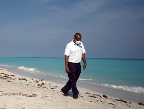 beaches - Cuba to test visitors for coronavirus, limit tourism to keys
