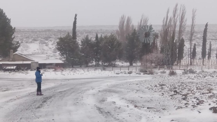 indexmain picture - It's a snowy wonderland in Sutherland in the Karoo