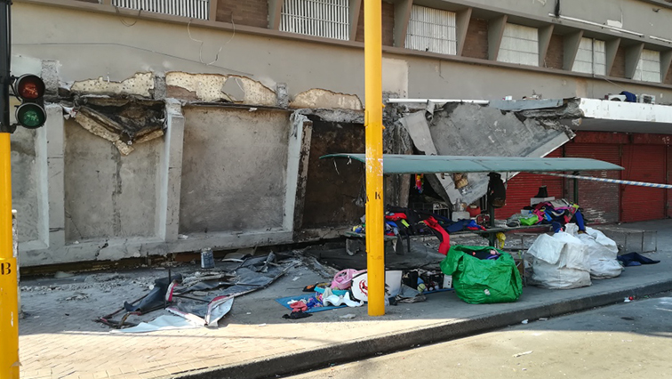 sabc news building collapse - 1 person killed and 8 others injured after a roof of a Durban building collapsed