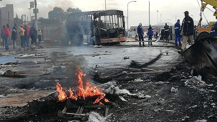 SABC News Violence  Philipi SABC Western Cape - At least 11 people arrested in Phillippi following violent protests