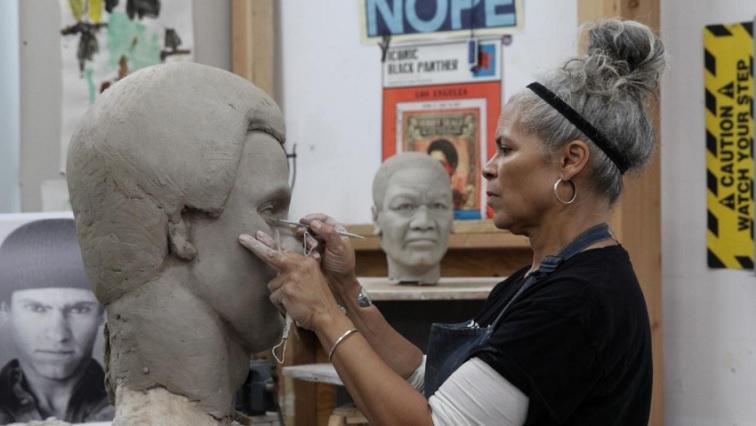 SABC NEWS Sculptor Dana King R - Breaking the mold: Sculptors seek to create Black figures in bronze
