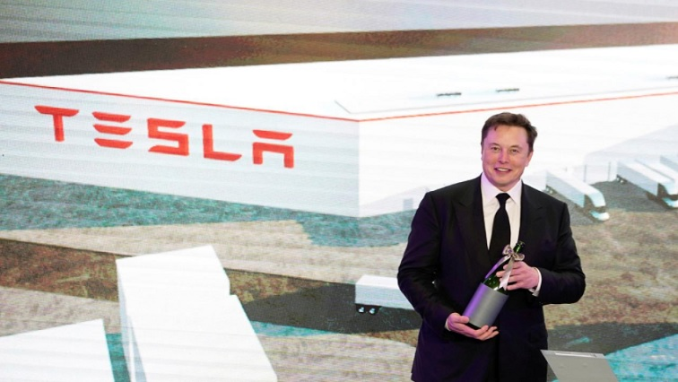 SABC NEWS Tesla R - Move aside robots, Tesla bets on aluminium casting