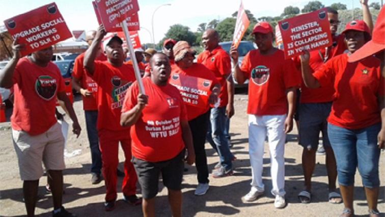 SABC News Nehawu Strike Twitter @ cosatu 1 - Nehawu in North West demands permanent employment of community health workers