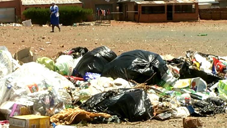 SABC News Trash P - Garbage piling up in some Tshwane areas