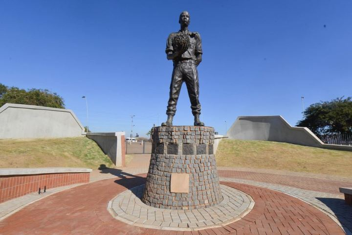solomom Mahlanu square - DA wants Gauteng government to account for the state of heritage sites
