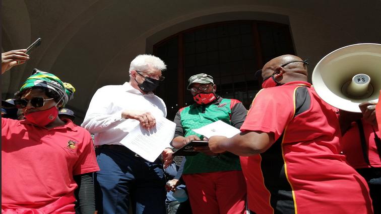 Cosatu @ChrisMabuya - Cosatu calls for more arrests of high-ranking government officials