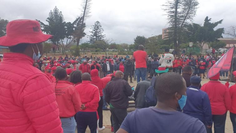 sabc news Cosatu Twitter @Katlego Nyoni - Cosatu slams Limpopo Premier for not coming to receive memorandum of grievances