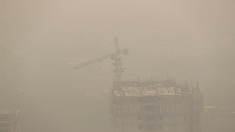"SABC News Air Pollution R - India's capital suffers from ""severe"" air pollution for third straight day"
