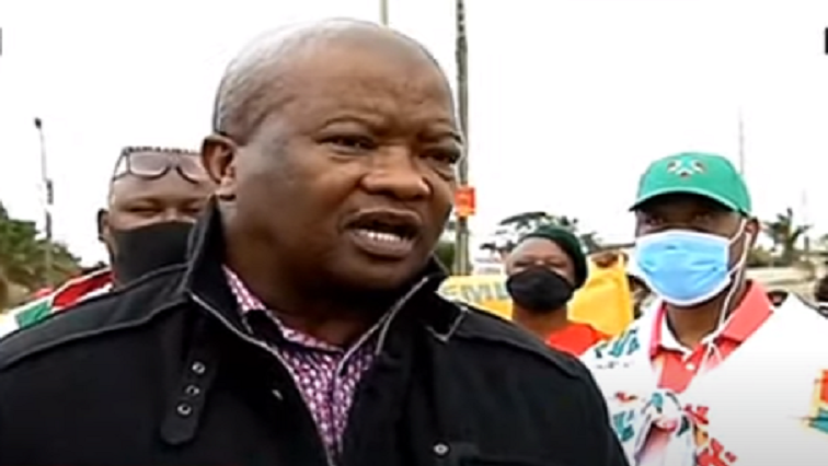 SABC News Bantu Holomisa - Holomisa conducts door-to-door campaign for by-elections in Jeffrey's Bay