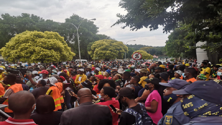 SABC News SABC Protest 1 - CWU to meet with the SABC on alternatives to retrenchments