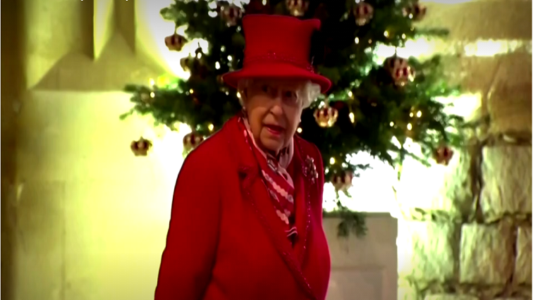 SABC News Queen E R - Carols for royals as they gather at Windsor to thank volunteers