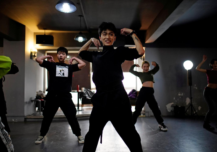 Wuhan dancers - Wuhan's vogue dancers embrace new freedom as COVID-19 anniversary nears