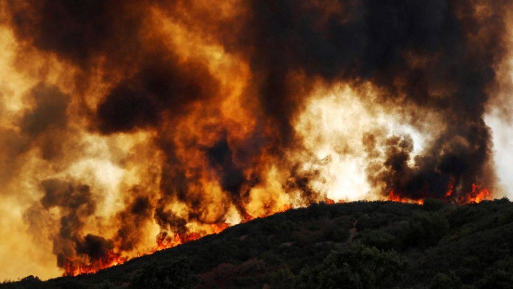fireRjpg 1 1024x577 - Most of the fire in Tulbach, Stellenbosch contained: Municipality