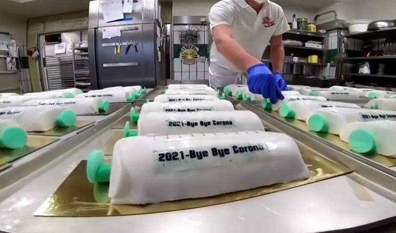German bakery - German bakery's syringe cakes help the COVID-19 medicine go down