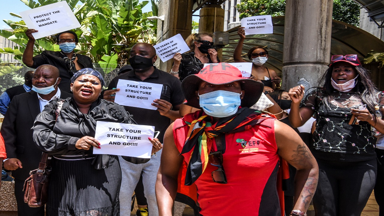Protest p - SABC unions to meet management in a bid to avert strike