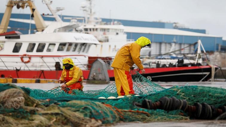SABC Bews Fishing Brexit Reuters - Scottish fishermen threaten to dump rotten shellfish outside British parliament