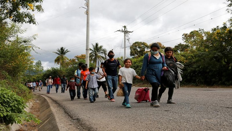 Up to 8000 migrants advance in US-bound caravans across Guatemala