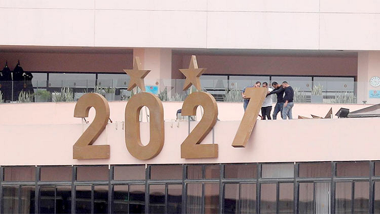 SABC News 2021 R - South Africans share valuable lessons learned from 2020 and its challenges