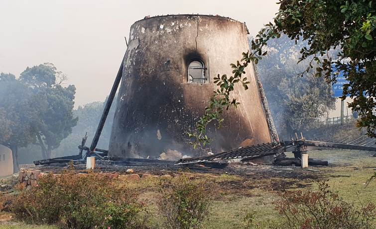 Historic Mostert's Mill destroyed in Cape Town fire - SABC News - Breaking news, special reports, world, business, sport coverage of all South African current events. Africa's news leader.