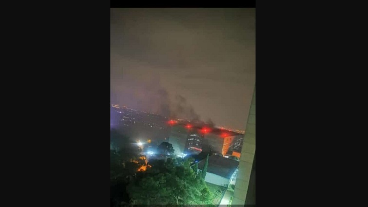 Fire-fighters battle blaze at a Johannesburg hospital - SABC News - Breaking news, special reports, world, business, sport coverage of all South African current events. Africa's news leader.